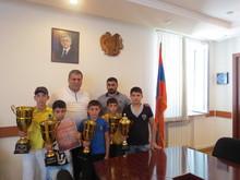 Տավուշի մարզպետ Հովիկ Աբովյանն ընդունել է հաղթանակով վերադարձած պատանի մարզիկներին