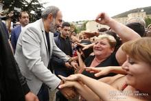 Մայիսից սկսած՝ ավելի շատ մարդ է գալիս Հայաստան, քան հեռանում. վարչապետը հանդիպել է Տավուշի մարզի բնակիչներին