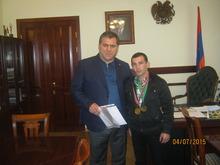 Տավուշի մարզպետ Հովիկ Աբովյանն ընդունեց  մարտական սամբոյի աշխարհի գավաթի առաջնությունում 3-րդ տեղը գրաված Վահե Օթարյանին: