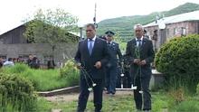 Տավուշի մարզպետ Հովիկ Աբովյանը  ծաղիկներ խոնարհեց զոհված ոստիկանների հիշատակը հավերժացնող հուշարձանին